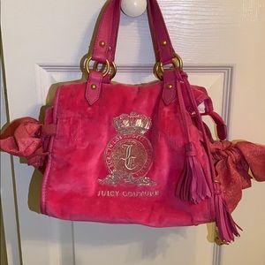 Super cute mini Juicy Couture purse!!💗💗